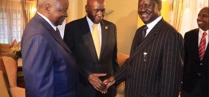 9 photos of Raila's smile that makes you think he is cringing in pain