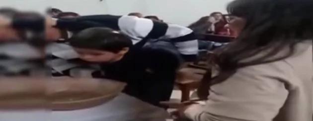Niño enfurecido insultó al sacerdote que lo bautizaba