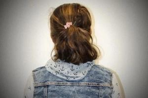 Una mujer abusó sexualmente de su pequeña hija de 5 años