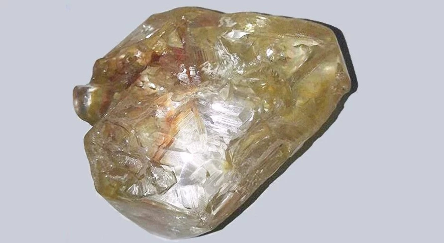Pastor from Sierre Leone find MASSIVE 706-carat diamond (photos)
