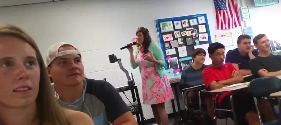 Teacher's first day is extreme cringe material