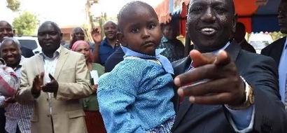 William Ruto amfanyia mwanamke kitendo kilichowatia Wakenya tabasamu