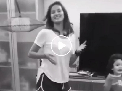 This video of Sarah Lahbati and her adorable kid Zion will make you dance along