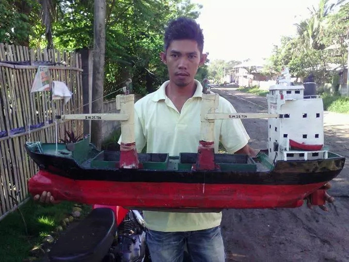 Pinoy entrep stuns public with toys made up of recycled materials