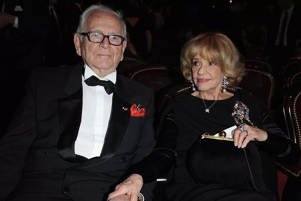 Jeanne Moreau et Pierre Cardin | Photo : Getty Images