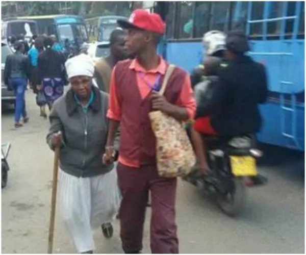 The humbling life of Kangemi conductor who's gone viral for helping a granny cross roads in Nairobi (PHOTOS)