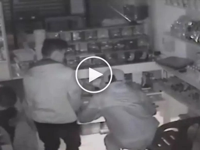 Pati ba naman tahanan ng Diyos, pinatos! CCTV footage reveals two Pinoys stealing church's donation box