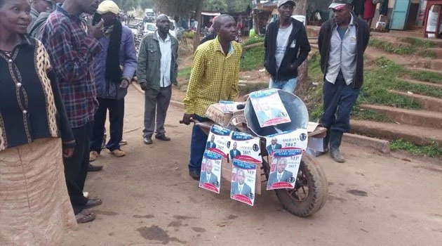 22 year-old Othaya MP aspirant excites Kenyans by campaigning using a wheel barrow