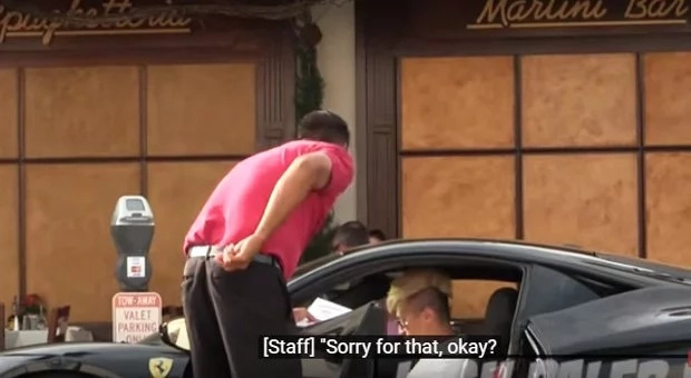 Restaurant apologizes for the way they treat rich guy dressed as homeless