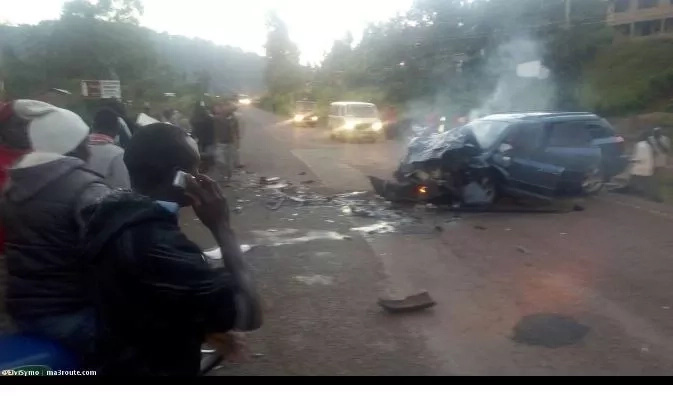 Probox carrying 14 passengers in Kisii causes a horrid accident (photos)