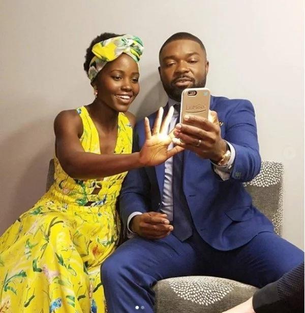 Picha 16 za Lupita Nyong'o akimfanya kila mwanamme karibu naye kuonekana kana kwamba ni wapenzi