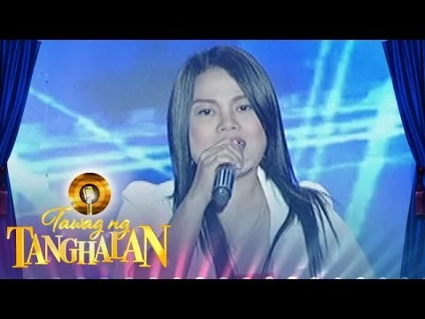 Yeng Constantino reunites with childhood inspiration on stage