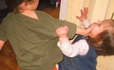 Estudio dice que los padres sí tienen un hijo preferido y te decimos quién es