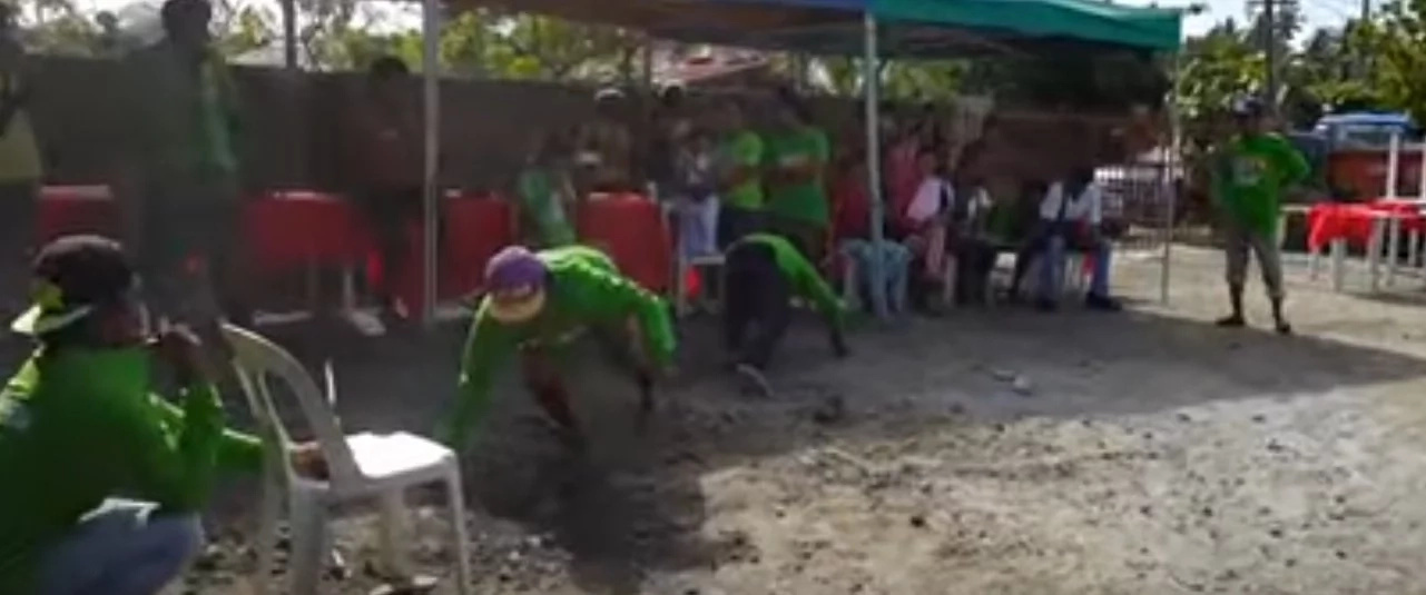 Pinoys play hilarious game in viral video