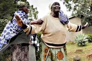 Mwanamume Kisii arejea nyumbani na kukaribishwa kwa furaha…lakini kinachotokea baadaye kinashtua