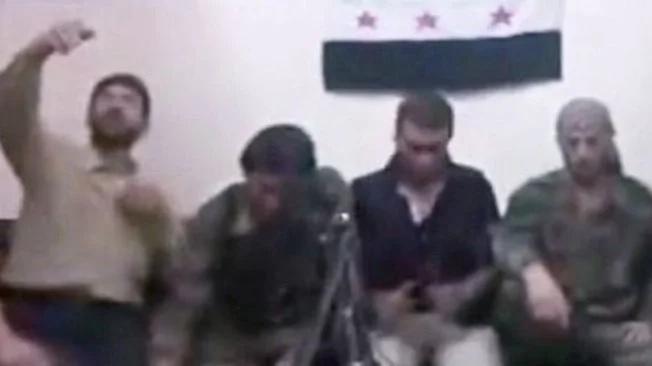 Rebelde sirio hace volar a sus amigos accidentalmente mientras toma una selfie