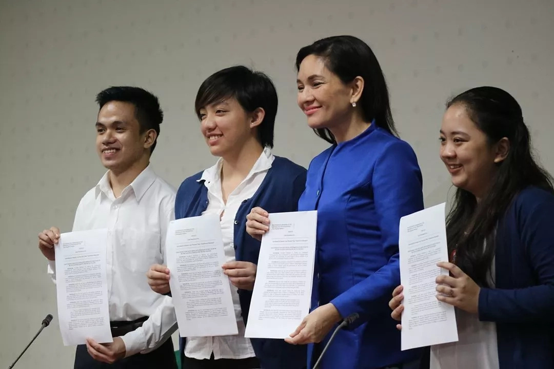 Hontiveros files resolution to commemorate Martial Law