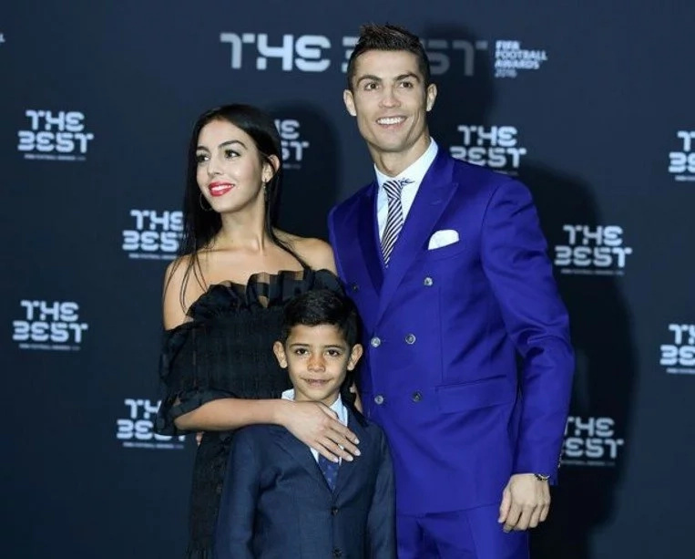 Cristiano Ronaldo is expecting twins from American SURROGATE mother