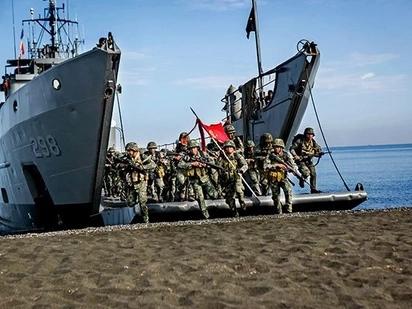 BREAKING: 3 suspected Abu Sayyaf boats, seized in Tawi-Tawi