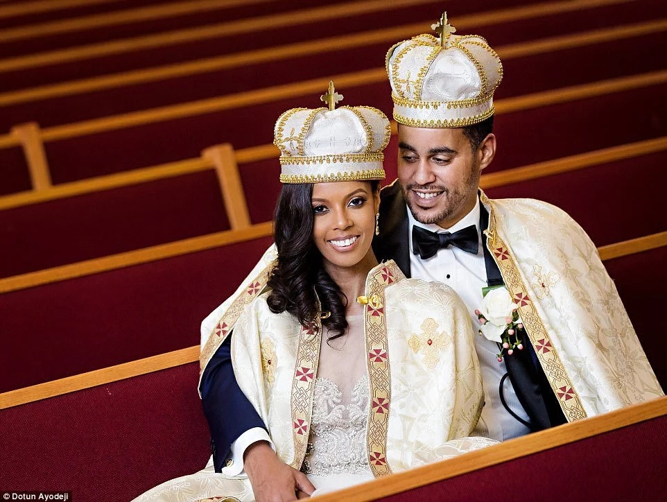 The adorable couple on their wedding day. Photo: Dotun Ayodeji