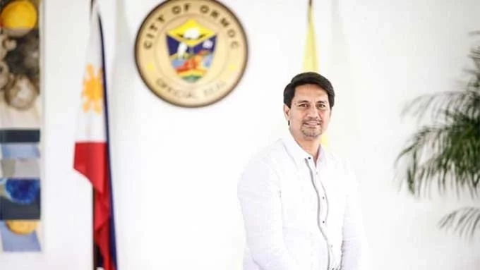 Richard Gomez files cases against 3 policemen over drug allegations