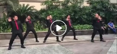Who says we only enjoy modern party music? These Pinoy dancers brought back netizens to good old times with 90's dance craze