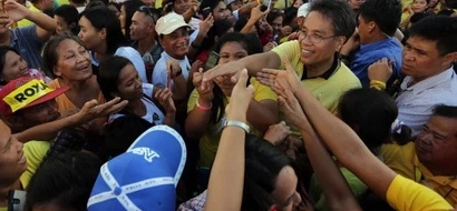 Roxas condemns alleged 'distribution' of money in his sorties