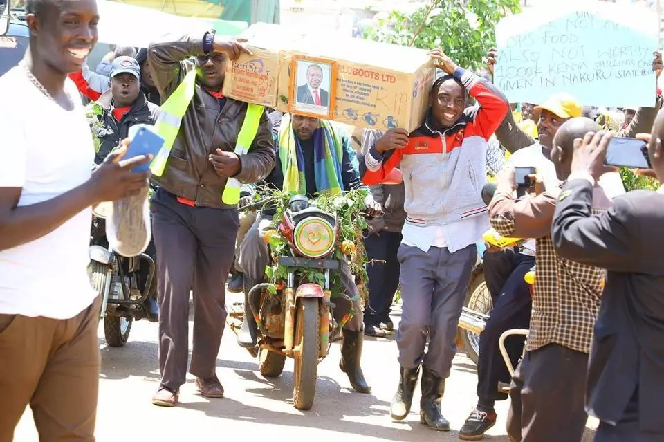 Nyamira residents demonstrate after Jubilee MP filed petition to remove Maraga from office