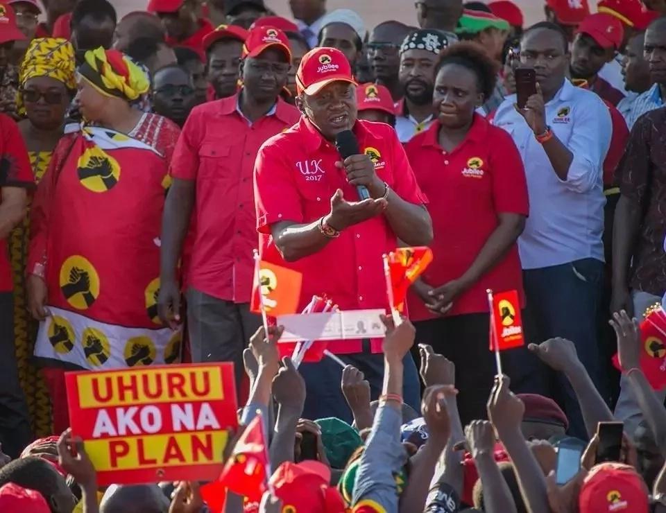 Wazee Wagikuyu wamwombea Uhuru kushinda nyumbani mwake Gatundu