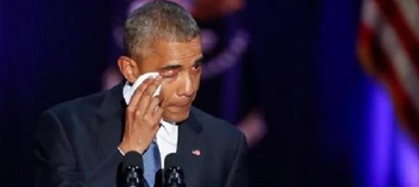 Presidente Obama lloró frente a miles cuando habló sobre su esposa