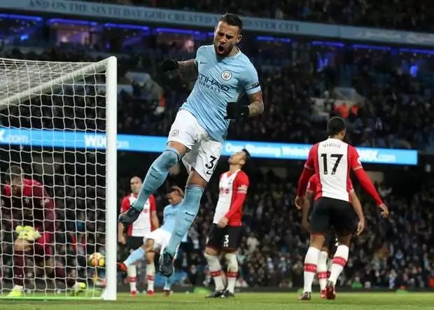 Manchester City sink resilient Southampton to keep title hopes alive
