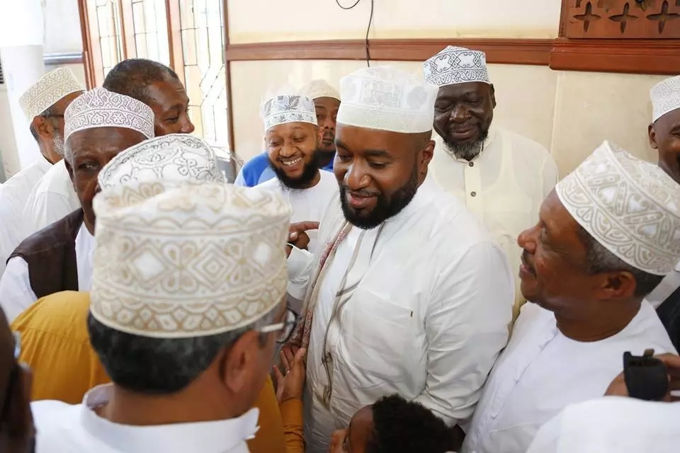 Joho's rich brother weds in the poshest wedding you ever saw and we have the photos