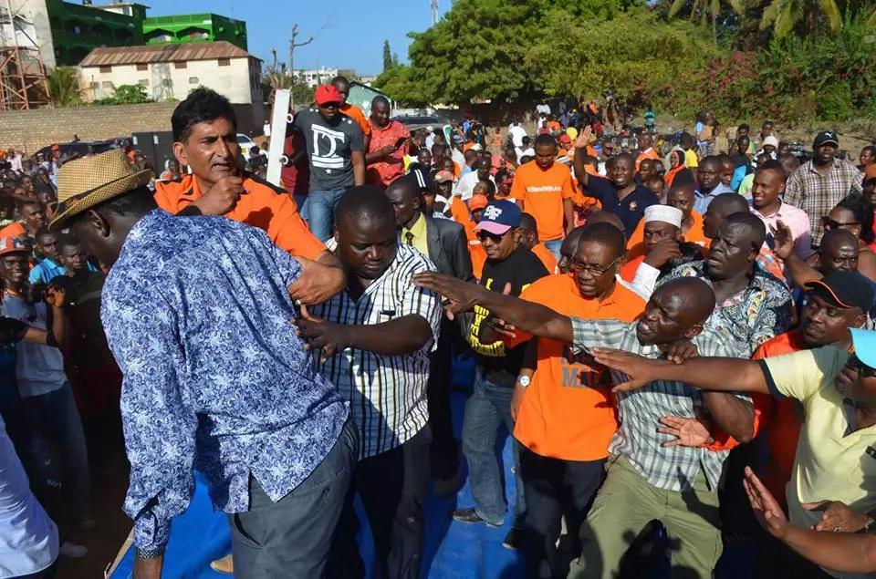 Photos: How Raila's bodyguards saved him in Malindi fall