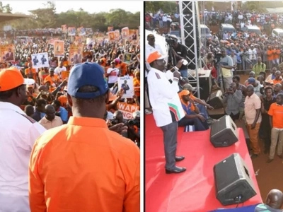 How Raila Odinga manages to take a photos of a crowds at his rallies