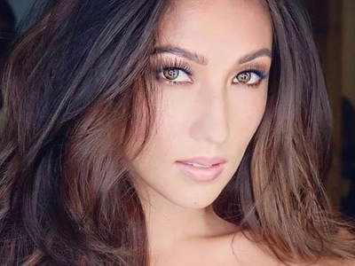 Solenn Heusaff claps back to Heart Evangelista fan