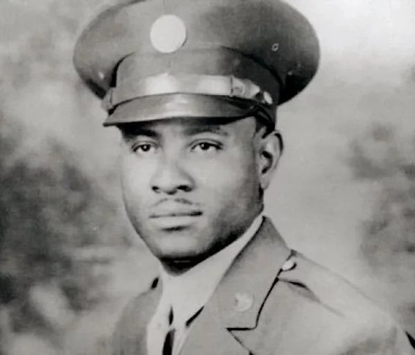 Overton served in the Second World War and is America's oldest war veteran