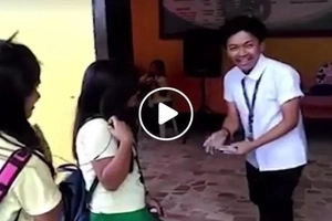 Pinoy student impressed netizens with his magic trick...find out what he did to stun his friend!