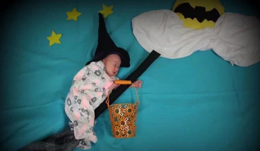 Nurse Dresses Her Baby Patients as Superheroes for Halloween (+6 Pics)