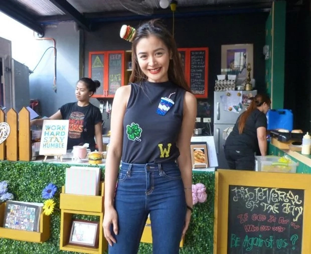 Kris Bernal sells burgers at her own burger shop