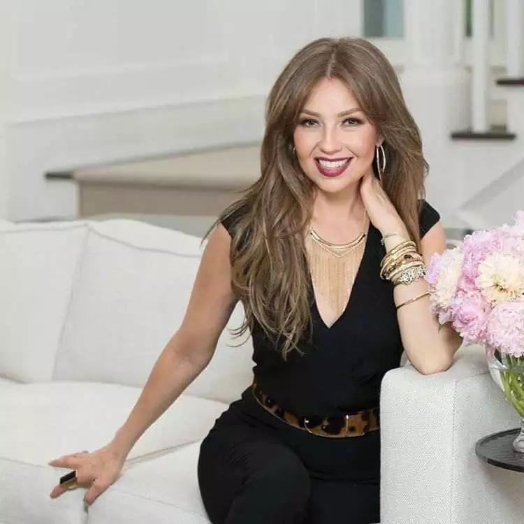 Thalía despreció un fanático homosexual en pleno concierto