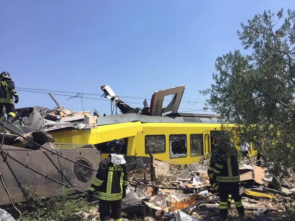 Se conocería el motivo del choque de trenes en Italia