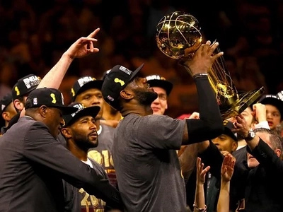 Why LeBron is the best basketball player, not Jordan, nor Curry