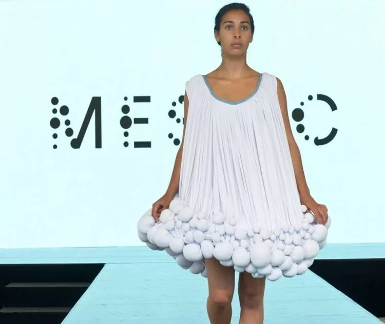"""Recycled"" dresses! Designer creates clothes made out of POO (photos, video)"