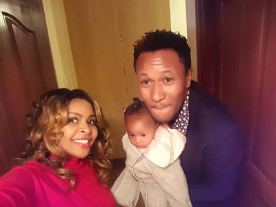 Close range photos of Size 8's daughter reveal who she really resembles