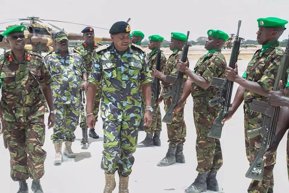 What Uhuru told KDF soldiers during his historic and suprise visit in Somalia