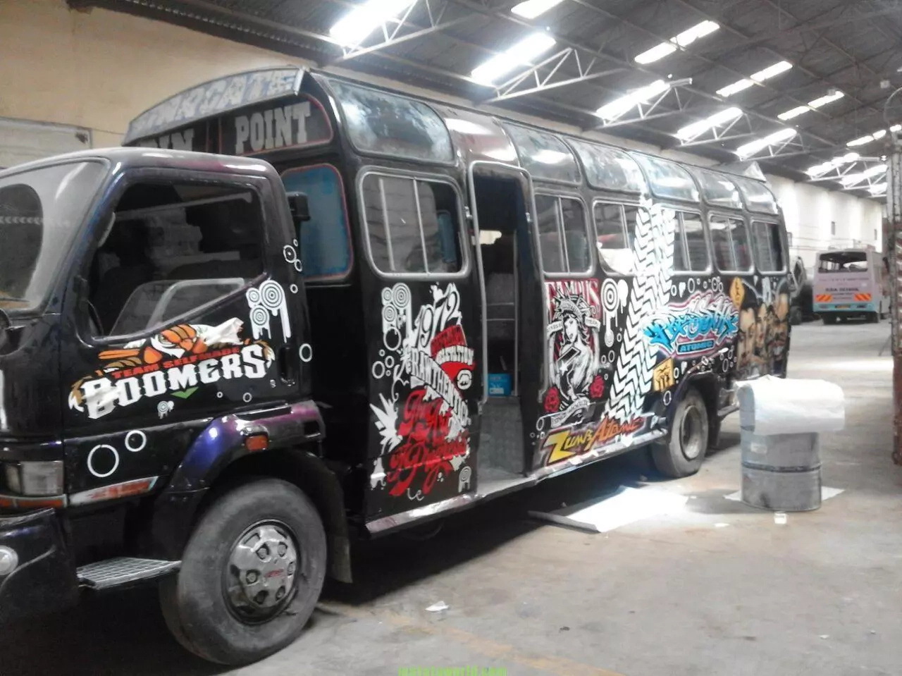 How Eastlands Commuters Are Robbed In These Two Matatus