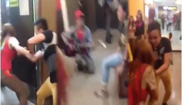 Girl hates the harana in Jollibee