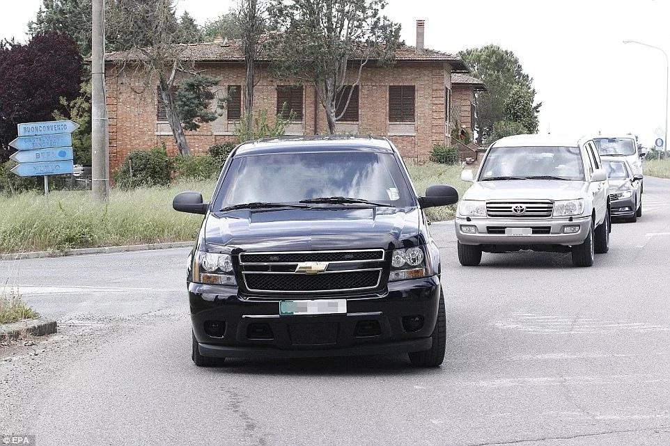 Upon landing, a 13-car convoy took them to the luxury Tuscan villa where they are vacationing