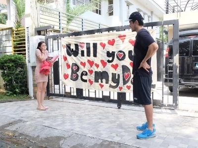 Walang palya! Romantic Xian asks Kim to be his Star Magic Ball date with a sweet surprise