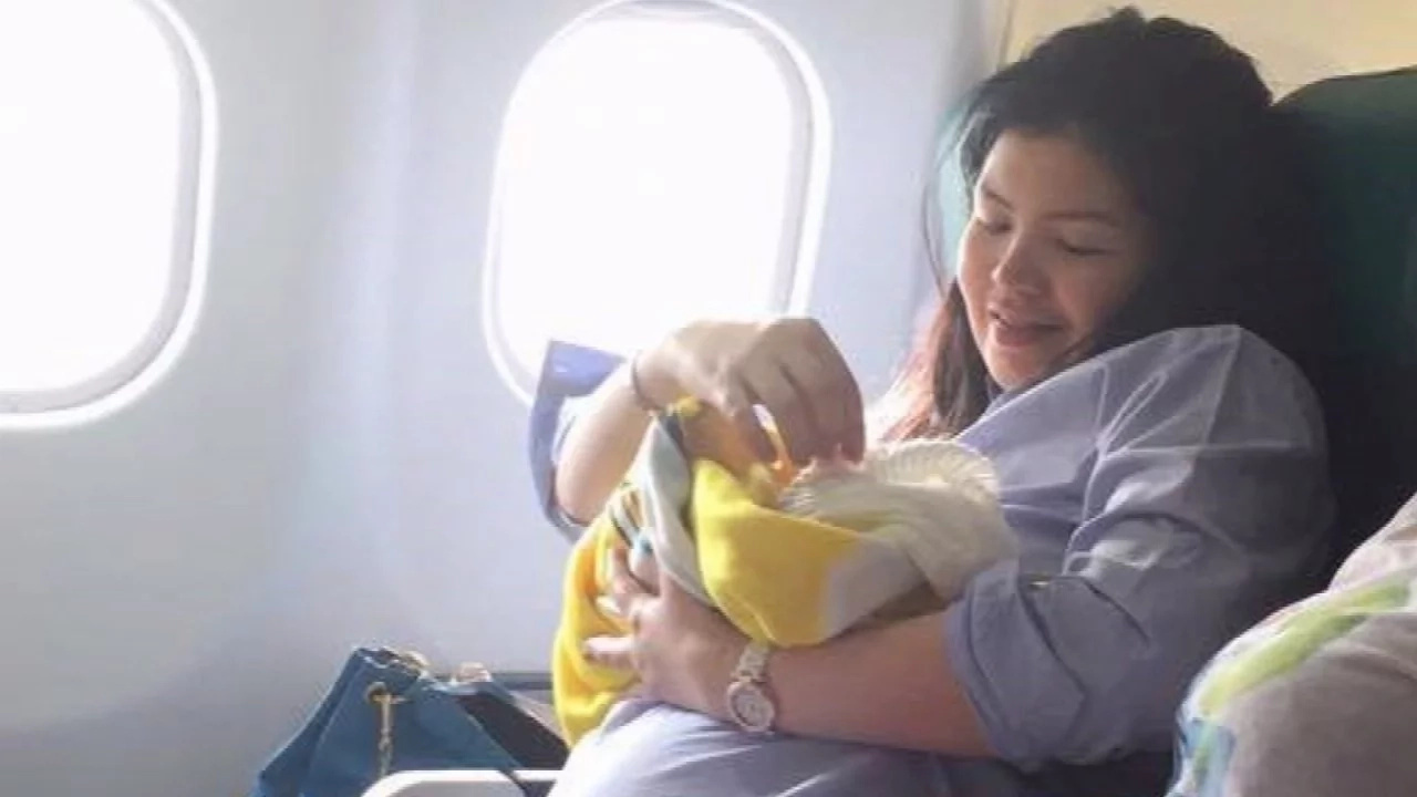 Born lucky! Baby birthed on jet airways flight gifted free air tickets for life